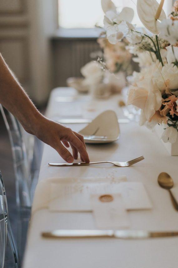 shooting-mariage-elegant-romantique-eduadecore-vivien-malagnat-scenographie-florale-cognac-limoges-poitiers (37)