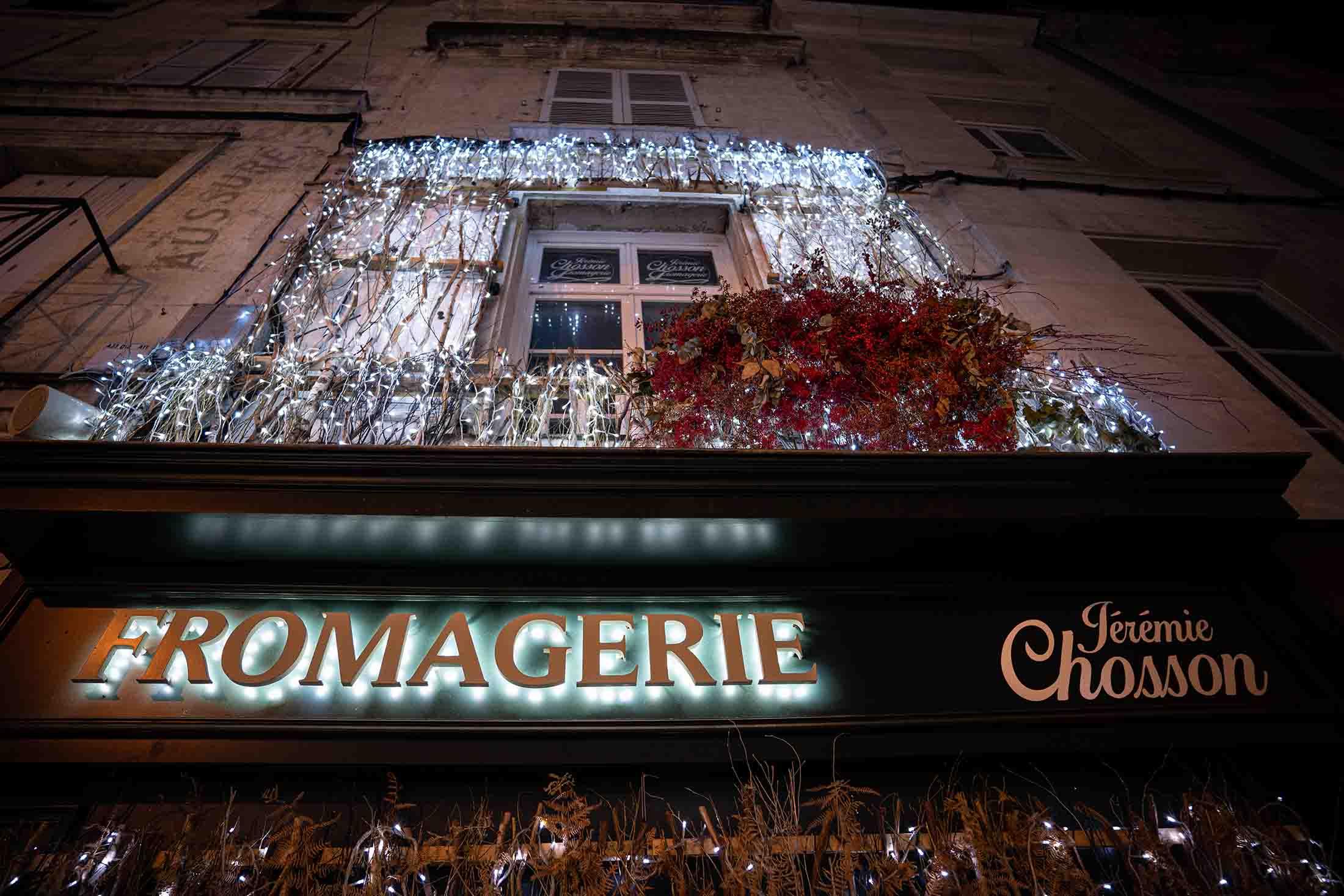decoration-noel-rouge-eduadecore-photo-ludozme-fromagerie-jeremie-chosson-poitiers (30)